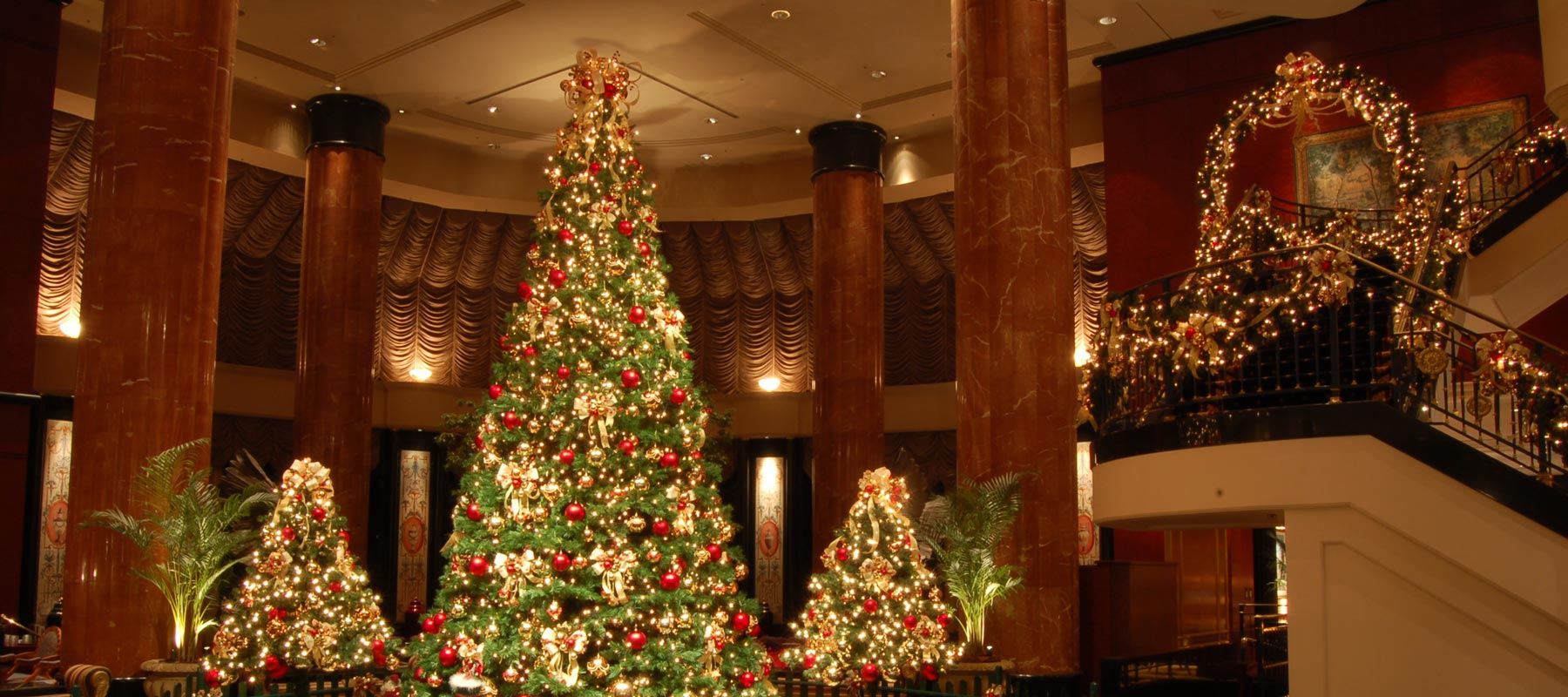 five star christmas christmas decorations for the worlds best hotels